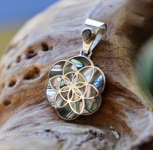 Flower of life pendant in Abalone